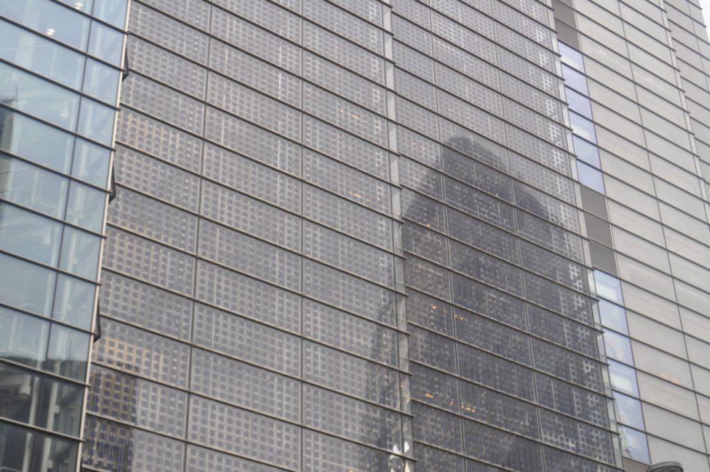 reflet de verre sur verre