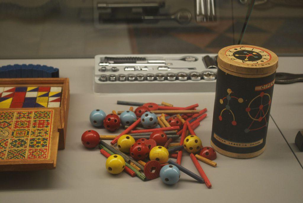 exposition milan le design en temps de crise graphiste strasbourg freelance jouet design