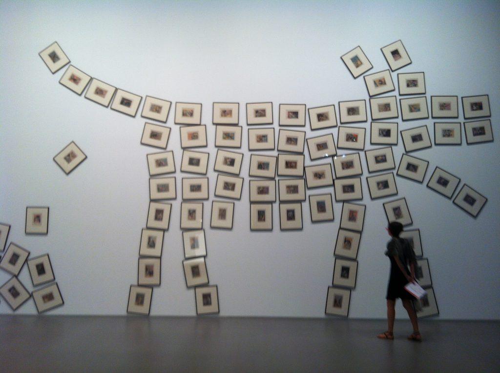 monaco art lover graphiste strasbourg alsace chien tableau affichage retouche photo